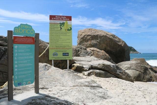 abrico-praia-de-nudismo-2