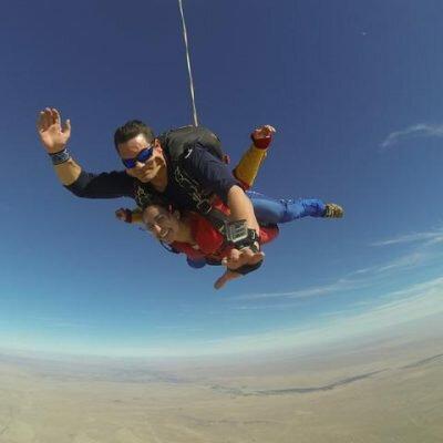 Como é saltar de paraquedas
