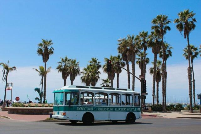 Ônibus que circula pela State Street - Santa Barbara